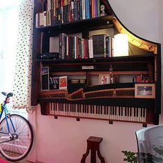 Old Piano Turned Into Bookshelf #interior #piano #design #decor #deco #bookshelf #decoration
