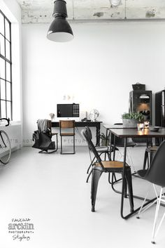 Beautiful Hauses: Minimal Renee's interior loft 2 #retro #house #loft #minimal interior