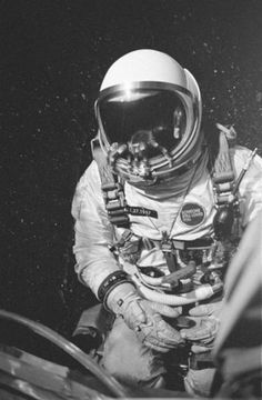Dirty Gold | 48910 | Wookmark #white #photo #astronaut #space #black #and