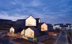 1266691053-hdm-vitra-10-01-2721-528x324.jpg (528×324) #architecture #vitrahaus