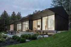 Slender House: Contemporary Reinterpretation of the Bungalow of the 1960s 2