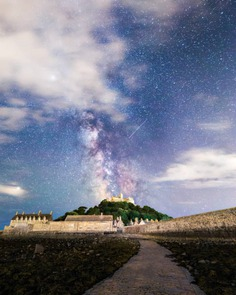 Beautiful Night Sky and Landscape Photography by Aaron Jenkin
