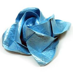 How to make a full-bloom Kawasaki rose origami flower (http://www.origami-flower.org/howto-origami-rose.php) #origami #rose #origamirose