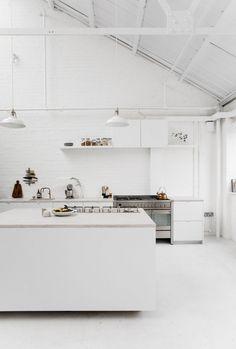 White industrial kitchen. Studio 8A by Rye London. #kitchen