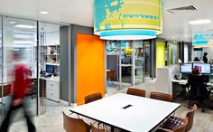RTKL London Office. Designed by RTLK. @enviromeant.com / A blog about Environmental Graphic Design #graphics #wall