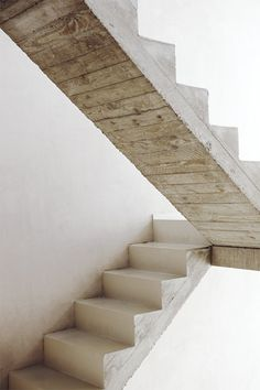 Concrete staircase by Crepain Spaes Debie Architecten. #interior #wood #steps #minimalism
