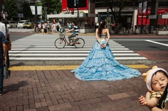 Quirky and Extraordinary Street Photos of Japan by Shin Noguchi