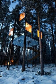 Mirror Cube #sweden #tree #treehouse #mirror #architecture