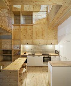 Longitudinal House