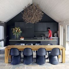 Fancy Vitra Panton Chairs #interior #panton #chairs #home #wood #vitra #chandelier #table