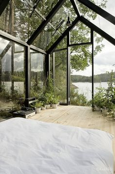 Kekkila Green Shed / Linda Bergroth and Ville Hara