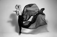 Zoom Photo #photography #woman #greyscale