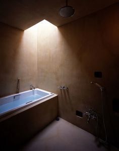Architecture Photography: M3/KG / Mount Fuji Architects Studio - 020 (49180) – ArchDaily #interior #bath #light #bathtub