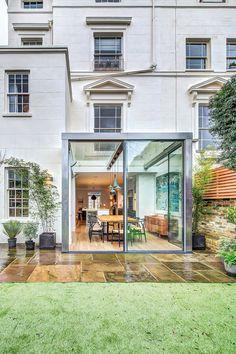 A Cheerful House in London Inspiring Good Mood