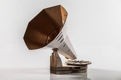 Jónófón on the Behance Network #helgi #design #retro #scandinavia #product #iceland #jn #paper #gramophone
