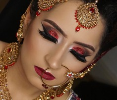 Bold Smokey Eyes Look With Red Glitter