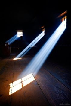 http://pinterest.com/pin/34199278390145973/ #photography #light #windows