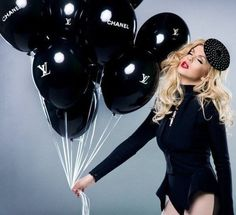 Sara Lindholm #fashion #balloon #chanel