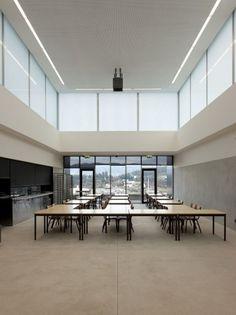 Candoso S. Martinho School Centre / Pitagoras Arquitectos   ArchDaily #arquitectos #school #portugal #architecture #pitagoras