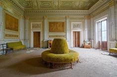 Abandoned Italy: Stunning Urbex Photography by Maurizio Lanzetta