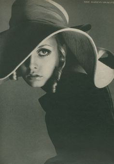 That Obscure Object #fashion #twiggy #photography #avedon