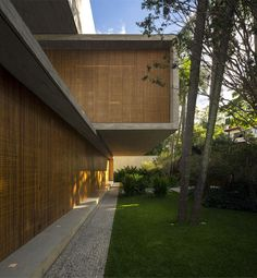 Minimalist P House Made Of Concrete and Wood -#architecture, #house, #home, home, architecture