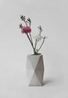 concrete geometric vase by frauklarer