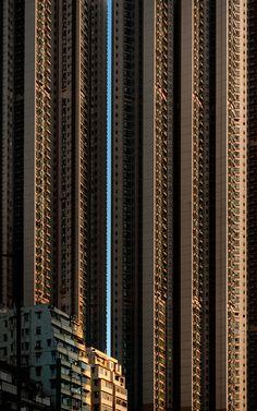 Hong Kong - Urban Extremes