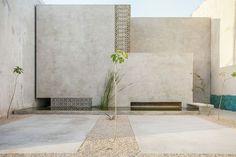 Casa Gabriela by Taller de Arquitectura Contextual. #courtyard #concrete #tallerdearquitecturacontextual