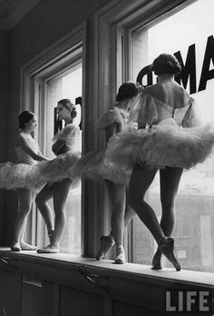 KRISATOMIC #ballerina #ballet #girls