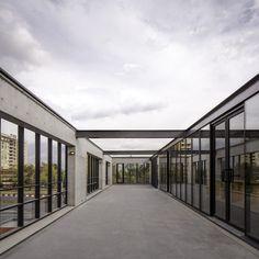 Multicarpet Rollux Showroom /  arquitectos