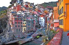 cinque terre, italy {colourful places & spaces} « plenty of colour #urbanism #architecture #italy
