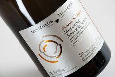 Domaine du Moulin | tabaramounien, atelier de design graphique depuis 2007 #typography #minimal #wine #label #tabaramounien