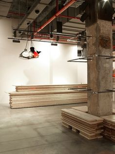 REV Architecture : Boutique Levi's - MUUUZ - Architecture & Design #interior #concrete #design #deco #decoration