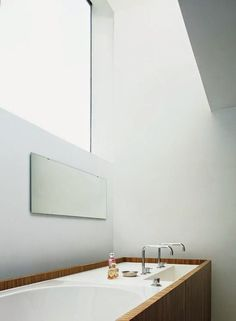 House M&J by Bruno Vanbesien Architects #hoooooomecom #design #interiors #bathroom #ideas