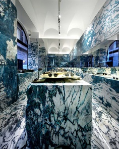 Hawkers Rome Store by CuldeSac Custom Retail 2