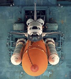 CJWHO ™ (Aerial view of Space Shuttle Discovery Space...)