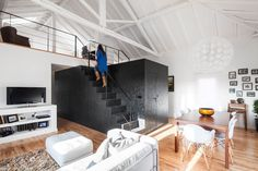 Converting a 50-Year-Old Barn in a Modern Home