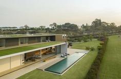 São Paulo Vacation Home / Studio Arthur Casas