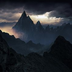 Фото и рисунки, арт и креативная реклама #mountain #photography #dark #nature