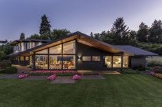 Myrtle House: 1957 Mid-Century House Remodeled by Giulietti Schouten Architects 11