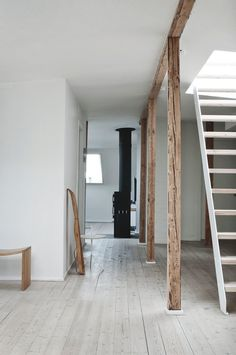 Wooden beams and columns. Fredgaard Penthouse by Norm.Architects. #normarchitects #minimal #beam #column #staircase