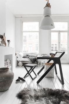 Elegant desk for children  K desk by Rafa-Kids - www.homeworlddesign. com (12)