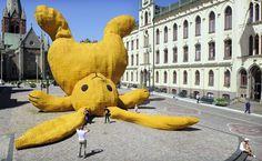 Florentijn Hofman #florentijn #yellow #hofman #art #rabbit #character