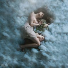 01_model_fairy_conceptual_fine art_cotton_cloud_creative_portrait_photography_photographer_nikon_d800_dreamy_babys_breath_long hair_lace_vin #cloud #portrait #conceptual #girl