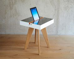 Lucio Solar Charging Table can harness sunlight for you, and you can recharge your gadgets in an eco friendly way!
