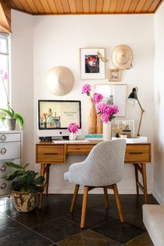 Incredible Home Office Makeovers