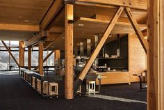 Café Knoll Ridge wooden bar #mountain #architecture #volcano #caf