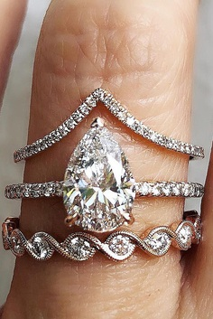 All rings are special, magic and brilliant. If you do not know how to choose perfect wedding set, look at these rings.