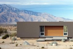 desert-house-marmol-radziner-04.jpg 940×639 pixels #house #wood #architecture #atmosphere #mountains #desert